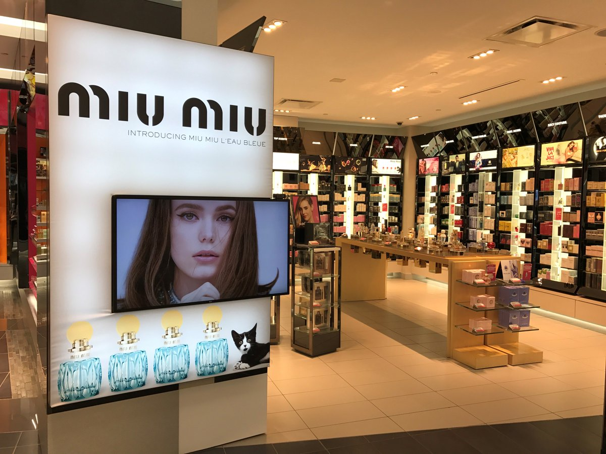 Collaboration between ICON Visual and ICON Media at Shoppers Drug Mart to promote the fragrance for @miumiu #icondigital #allthingsvisual
