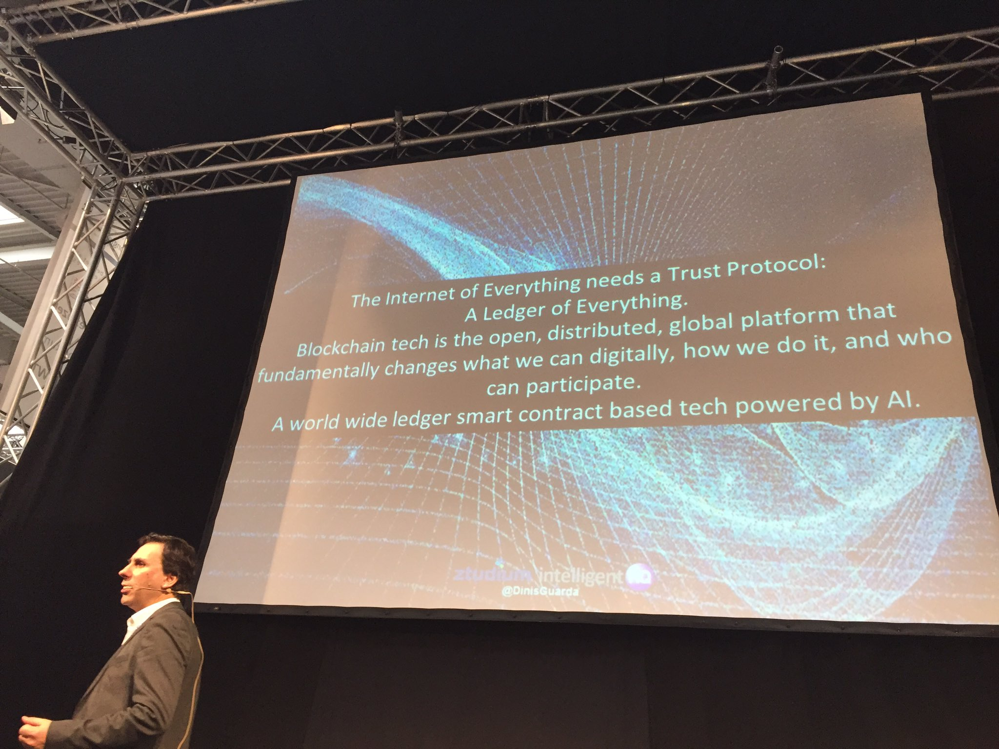 The trust protocol @dinisguarda at #cebiteda #blockchain https://t.co/A8rF74CppE