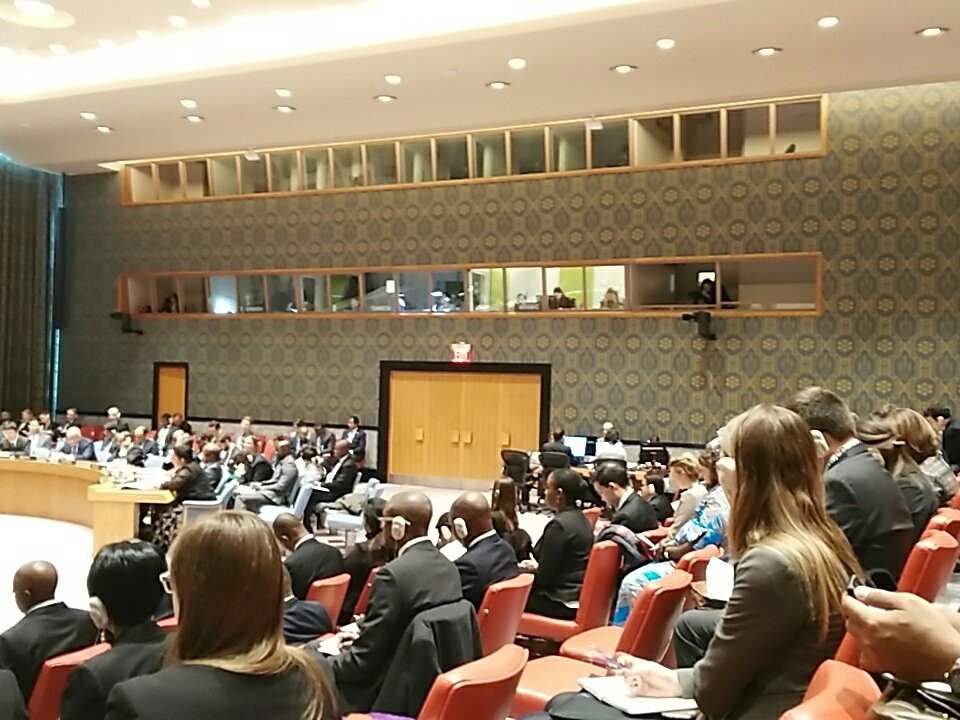 Mme. Marie Madeilene Kalala présente la situation de la #RDC #UNSC sociale, economic et sécuritaire  @AFIAMAMA @maleineco @annytenga @ffcrdc<br>http://pic.twitter.com/Z3HOzoC2jf