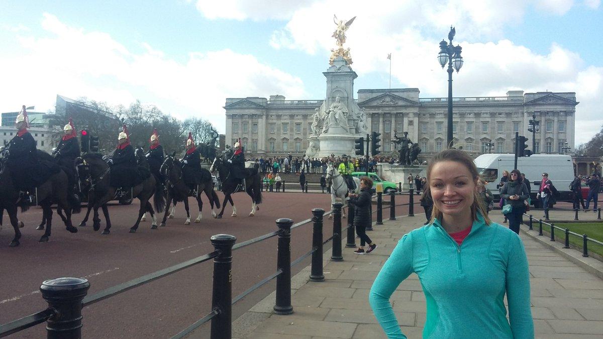 Sunshine &amp; smiles in London on our Customised Iconic London Running Tour #SightRunning #Sightjogging #RunningTour #RunTagIt #LoveLondon <br>http://pic.twitter.com/uHg9QRi6Bc