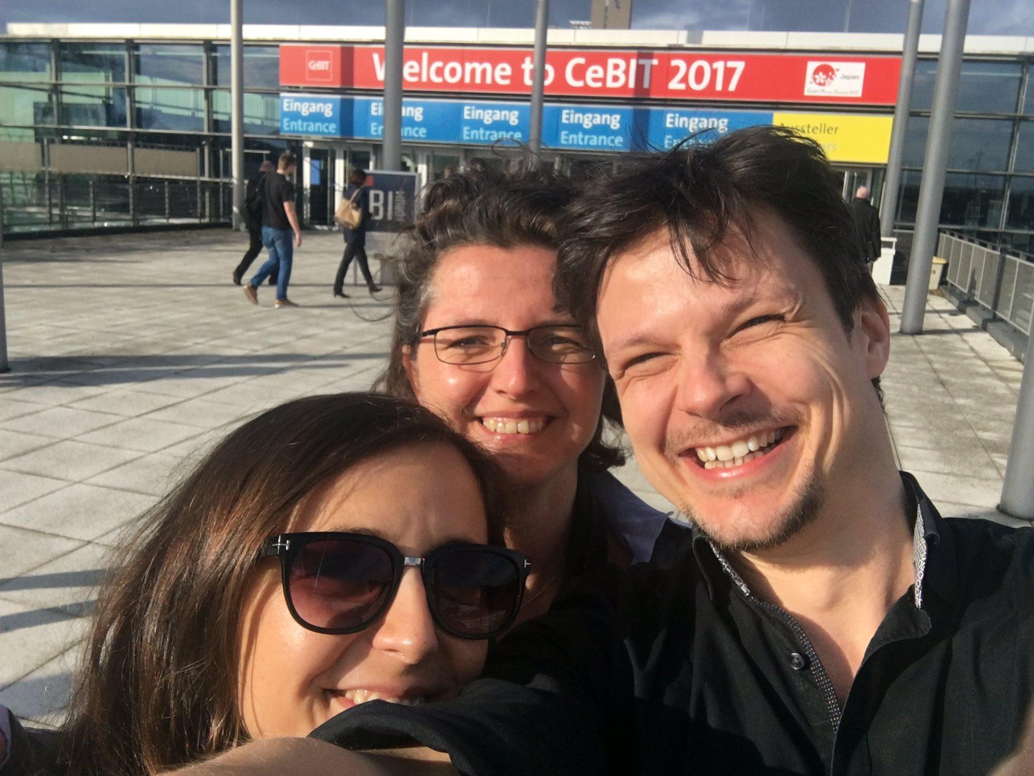 Viele Grüße vom Avilox-Team von der   @cebit  @cebiteda #cebiteda! https://t.co/XNXLGCdkPK