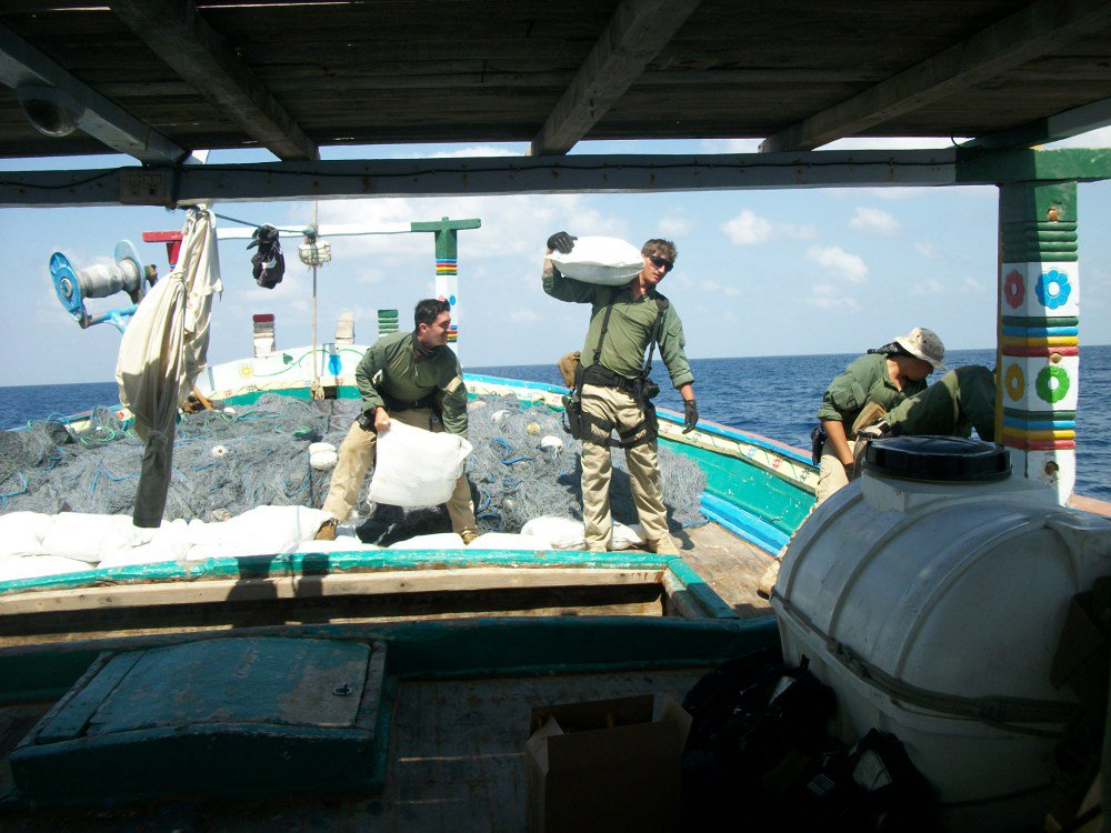 Canadian-led CTF 150 has third drug seizure this month in the Arabian Sea; great work by USS LABOON  https://t.co/Iq00ctjUaR #OpARTEMIS https://t.co/CZOxp7i6jB