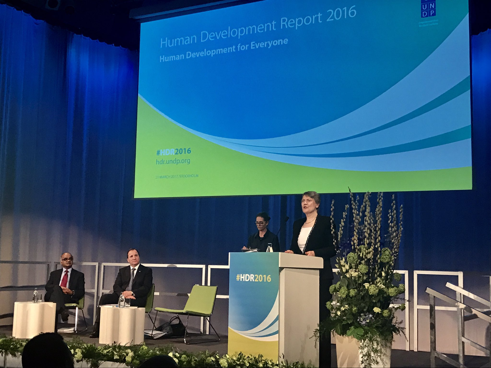 'Human development for all is not a dream - it is attainable' @HelenClarkUNDP speaks at #HDR2016 launch. https://t.co/y2RSgbNz5b