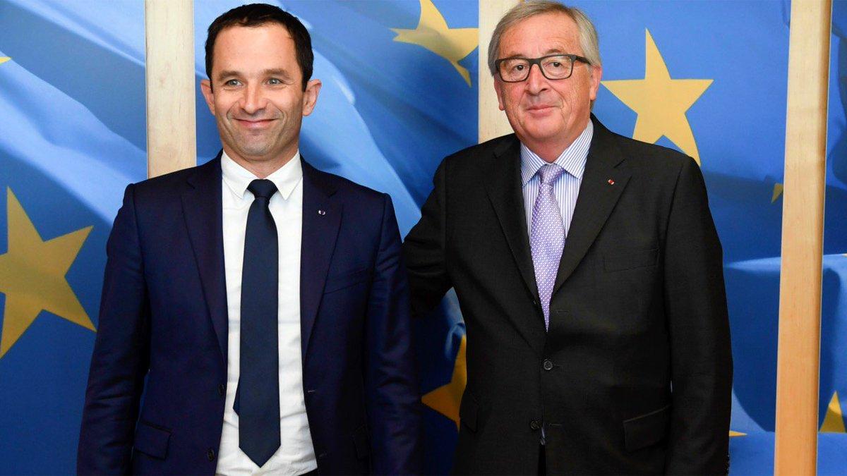 @benoithamon rencontre @JunckerEU: #Défense (coopération/calcul du déficit) &amp; Parlement de la #zoneeuro [VIDÉO]:  http:// youtu.be/dN9Scki3mbI  &nbsp;  <br>http://pic.twitter.com/EouoUYXLGL