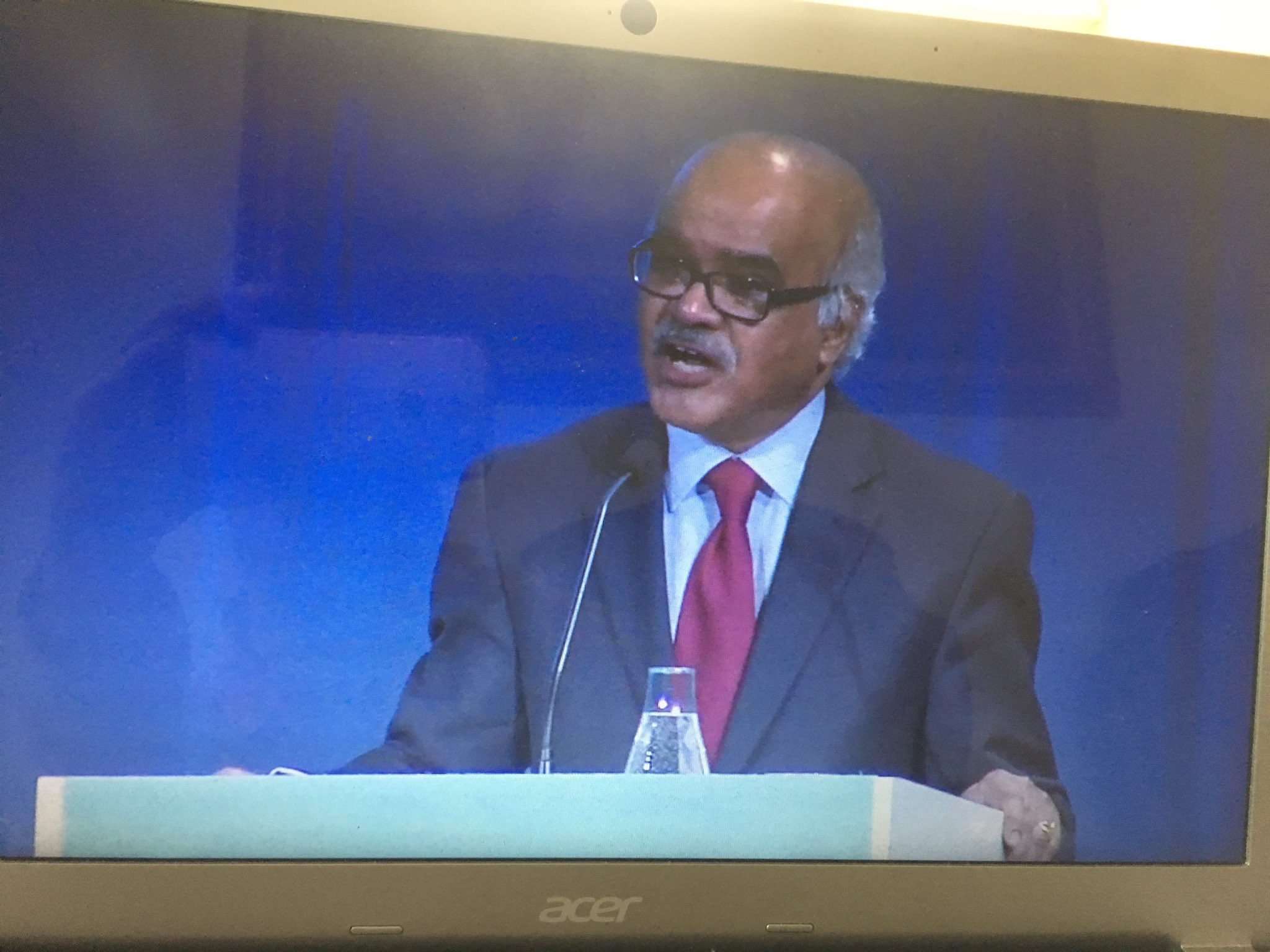 Human development & 2030 agenda reinforces each other. #HDR2016 @SelimJahanUNDP @UNDPLive https://t.co/pmSaRsQgwD