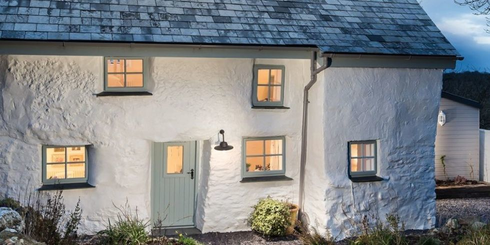 This picture-perfect Cornish cottage is the home of your dreams https:...