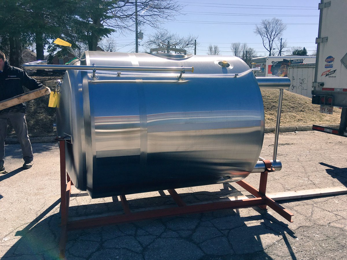 Royal City Brewing On Twitter New 2400l Packaging Tank Arrived Today This Shiny Beauty Will Hold Beer To Be Packaged Freeing Up Other Tanks Guelph