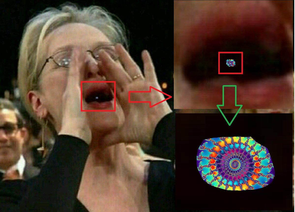 Une #SoucoupeSpatiale de forme sinusoïdo-fractalienne prise en flagrant-délit dans la bouche de #MerylStreep qui fait trembler la toile <br>http://pic.twitter.com/SNeNuUt2CC