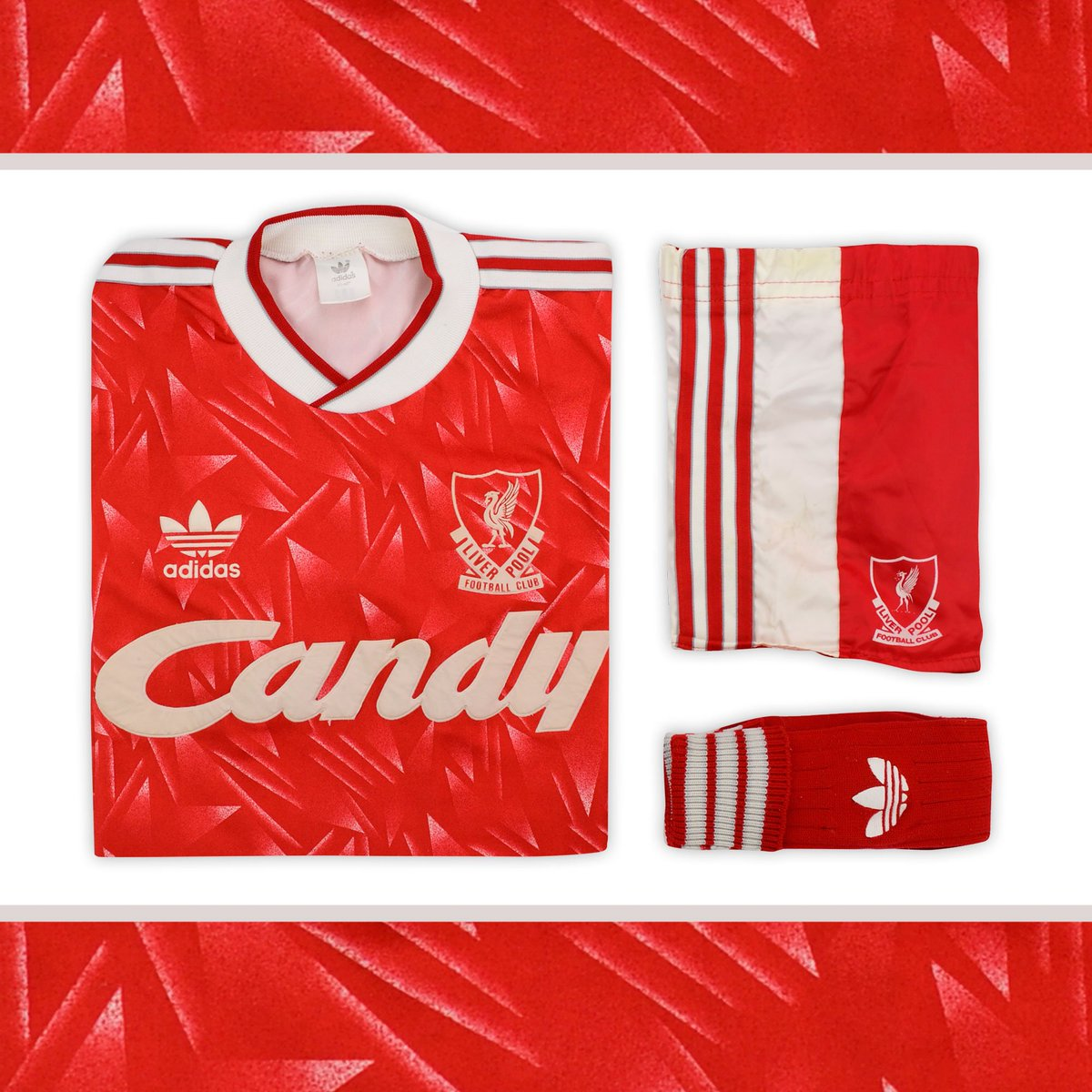 size 40 743ea bbd98 Classic Football Shirts on Twitter: