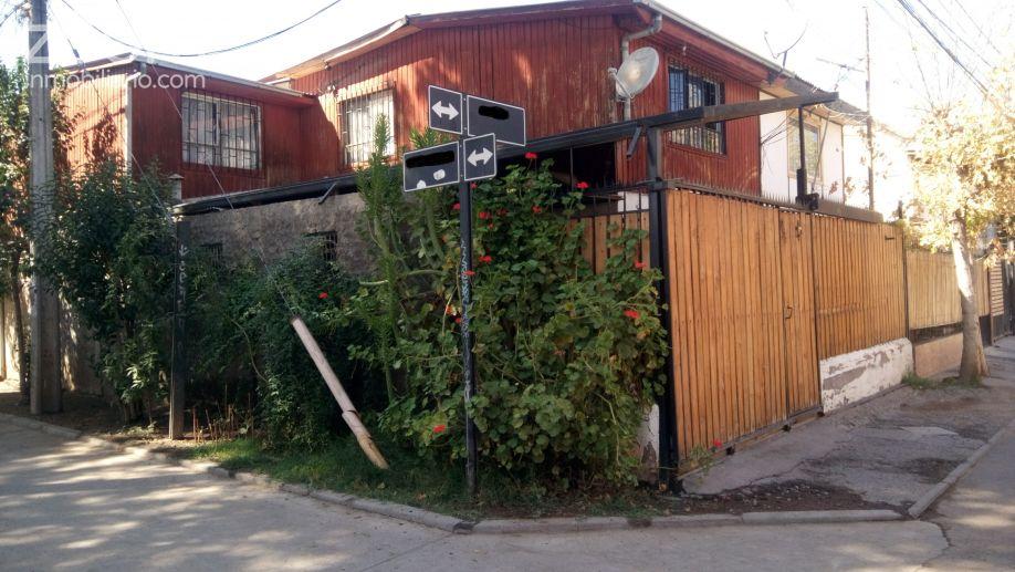 Casa en venta en #Pudahuel por UF 1.800. 5 dormitorios, 2 baños, 100 mts2.  http://www. zoominmobiliario.com/ficha_propieda d.php?id=1347372 &nbsp; … <br>http://pic.twitter.com/Cbzedvx6aT
