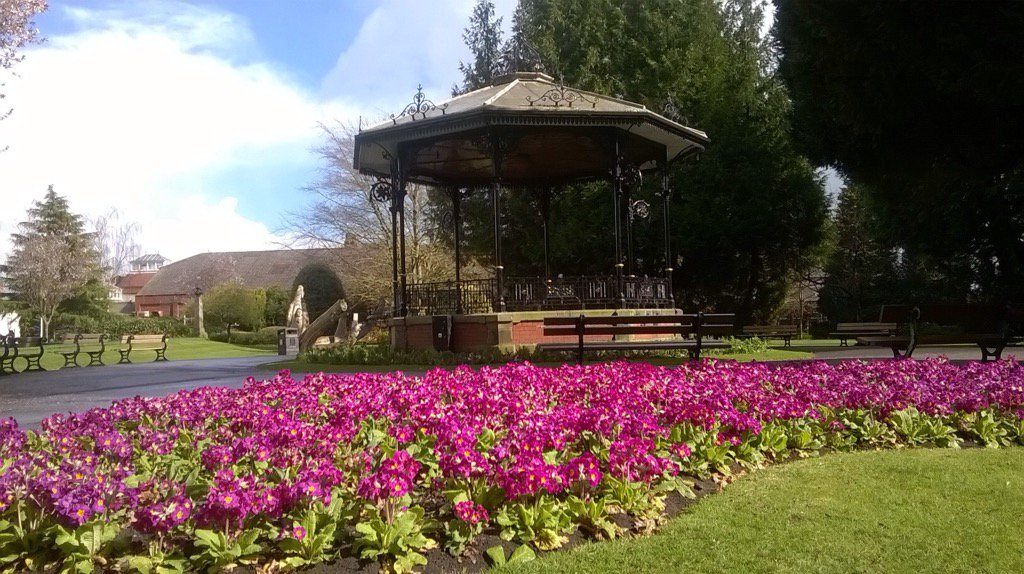 Spa Gardens in sunshine looking fabulous #thejoyofspring @moreRipon @D...