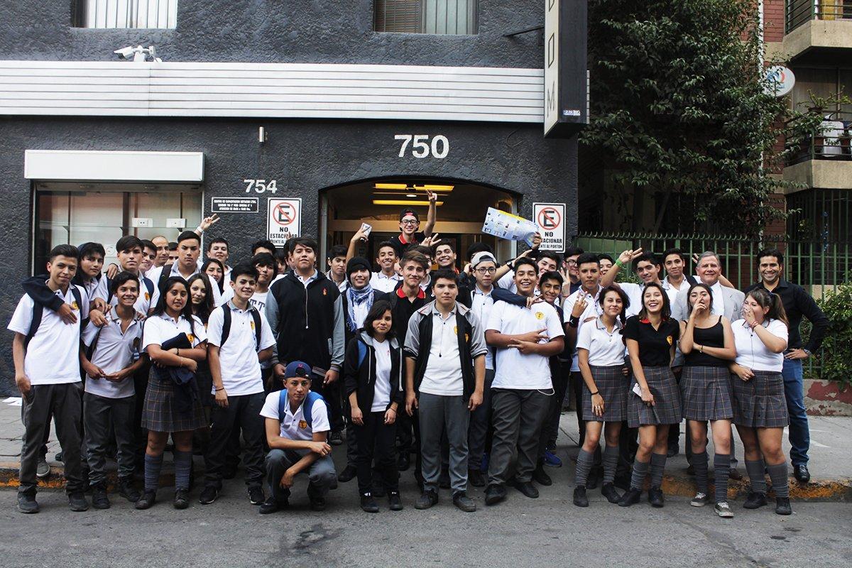 Del 3ro medio del Instituto Técnico San Mateo de #Pudahuel, vinieron a aprender sobre #telecomunicaciones a Metacom<br>http://pic.twitter.com/iX2jiCDZGJ
