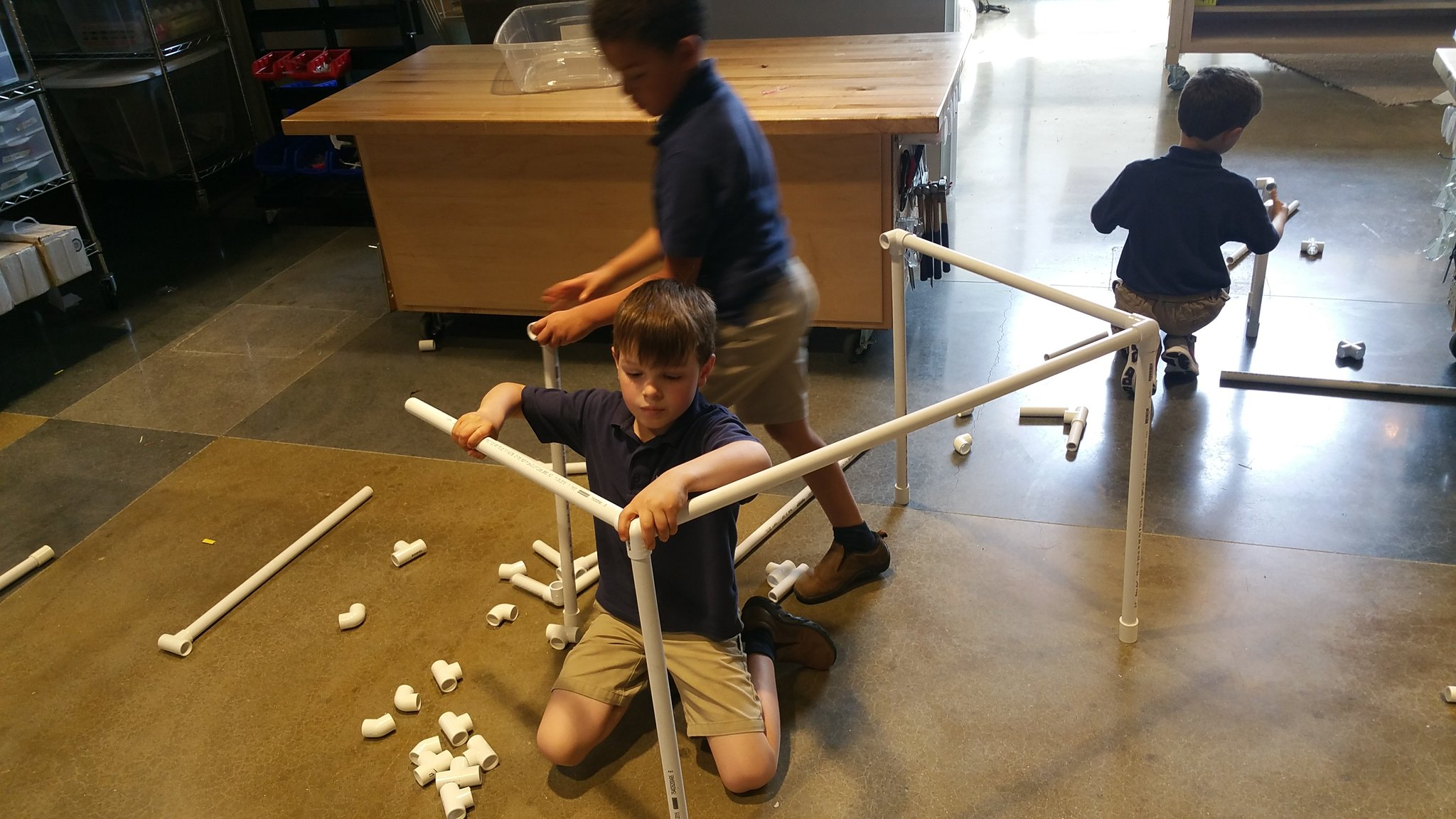 """It keeps falling apart! How do we make our table more stable? Hey, that rhymes!"" #kidquote Instigations w/PVC #MakerEd #elemaker #MVPSchool https://t.co/1Te2xMLHcI"
