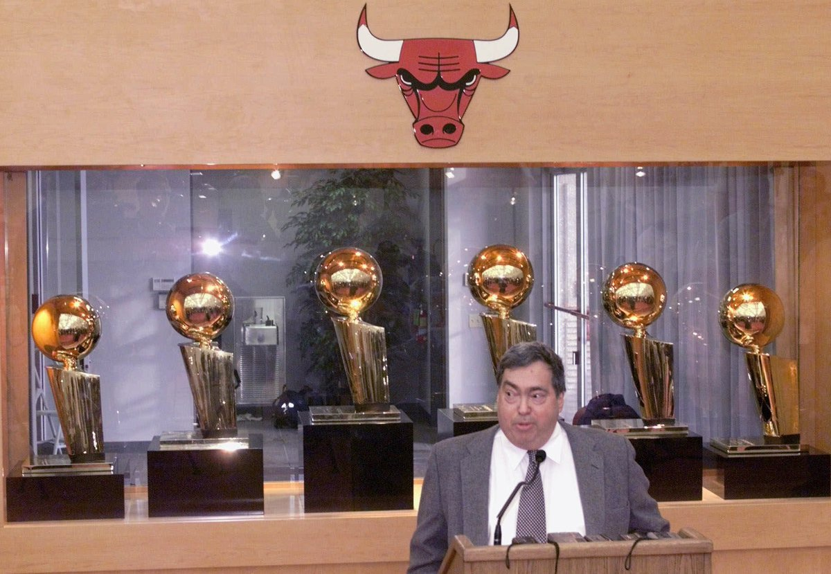 Breaking: Former Bulls GM Jerry Krause dies at age 77 https://t.co/xZj...