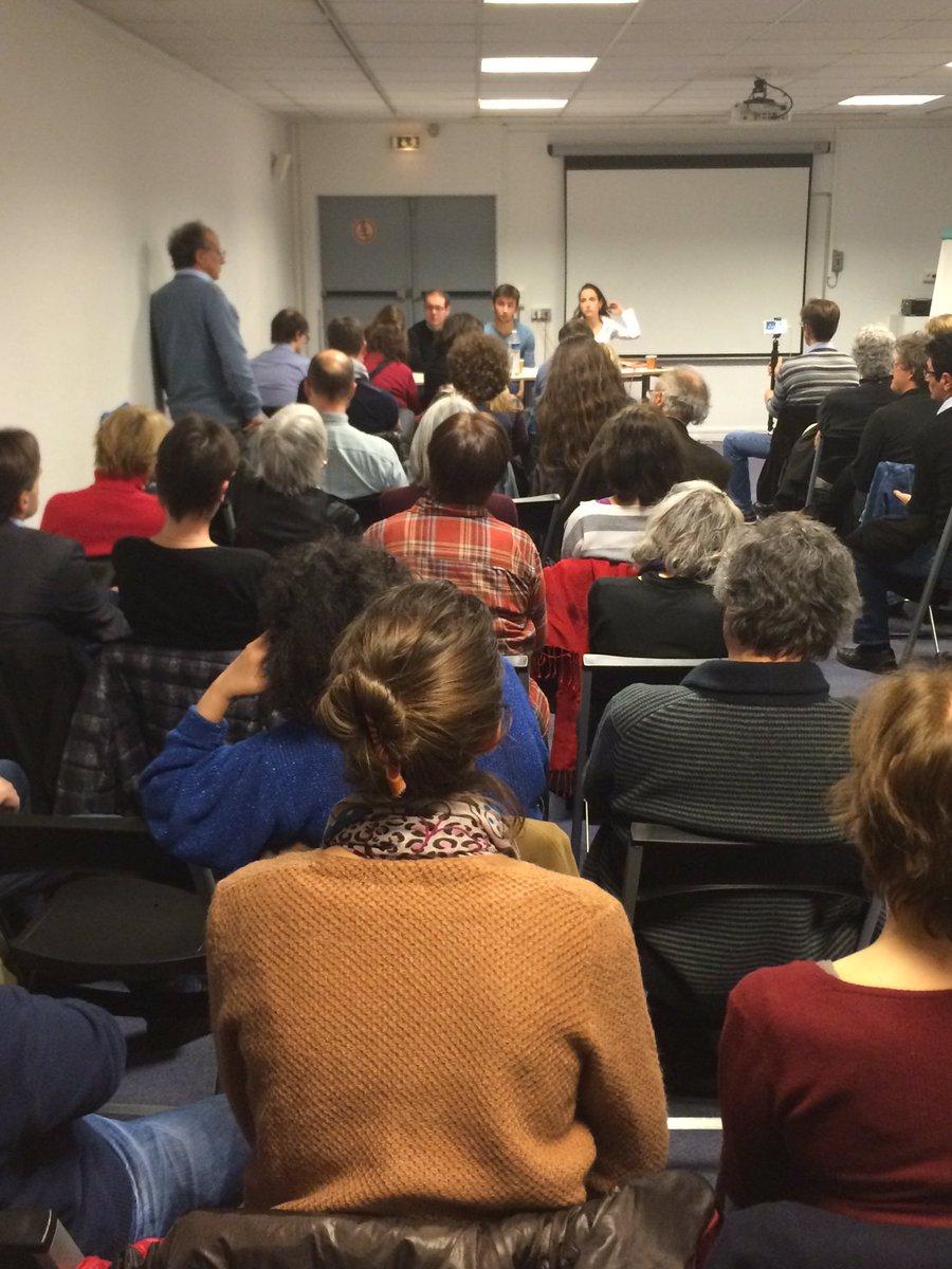Ce soir on parle #RUE avec @CageJulia à #Paris13 Le Revenu Universel Existence sera mis en place au 1er janvier 2018 #JevotePour #Hamon2017<br>http://pic.twitter.com/STf81uiLSc