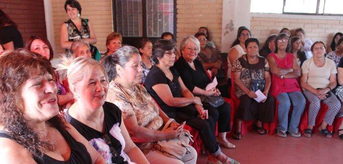 Ministra Saball conversó con mujeres de #LoPrado, #Pudahuel y #QuintaNormal en #DiálogoMujeryCiudad  http:// quieromibarrio.cl/index.php/2017 /03/21/ministra-saball-converso-con-mujeres-de-lo-prado-pudahuel-y-quinta-normal-en-dialogo-mujer-y-ciudad/ &nbsp; … <br>http://pic.twitter.com/IQXeyS57Rw