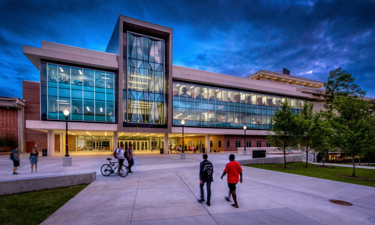 University of Florida, Reitz Union, earns a 2017 #ACUI Facility Design Award. #ACUI17 @UF #GoGators @reitzunion https://t.co/NFDAiGxHKr