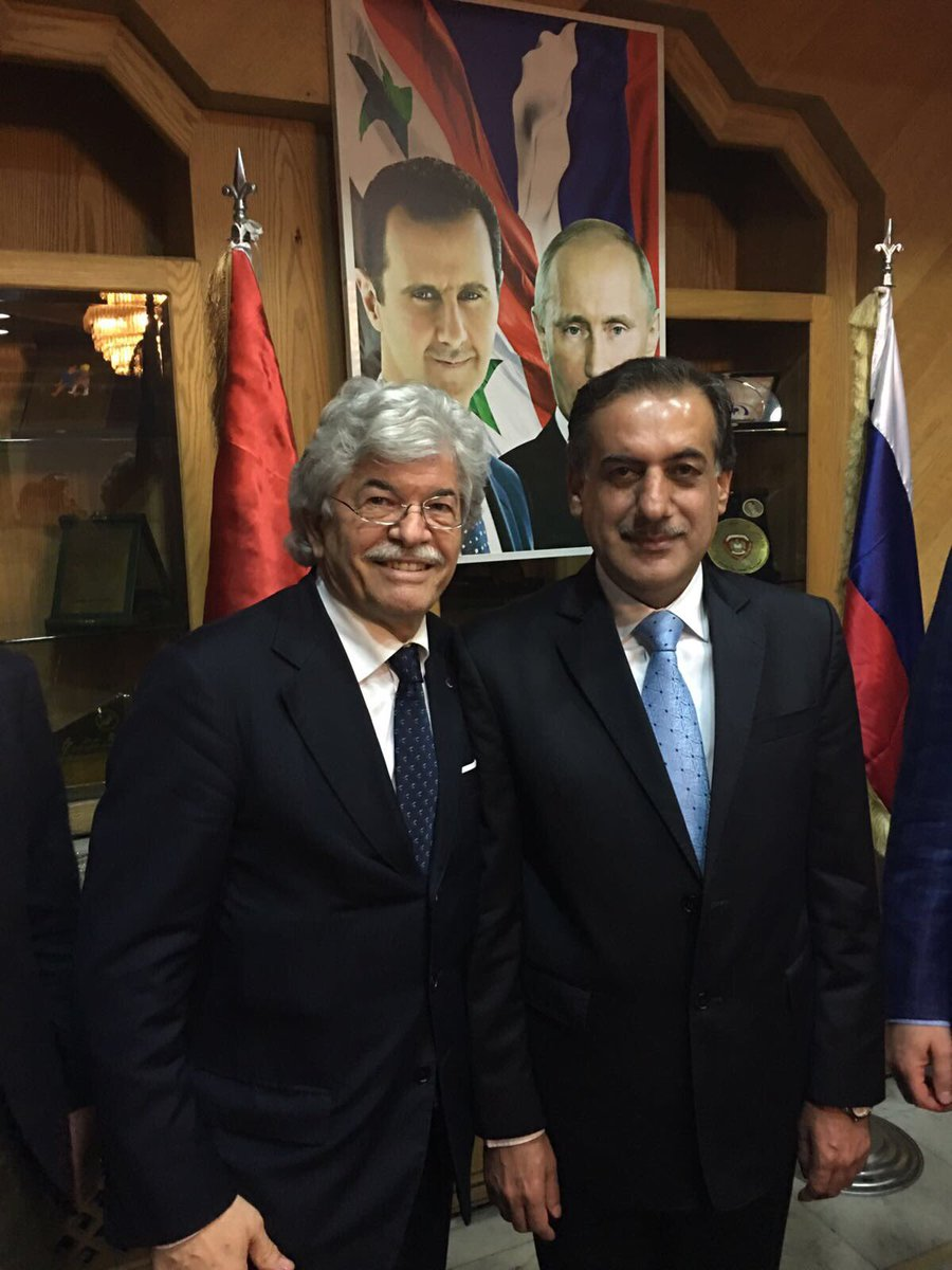 @giusmo1 @La7tv @Agenzia_Italia @Adnkronos @repubblicait @Corriere @Libero_official @ilgiornale Con il Governatore di #Aleppo: Hussein Dijab <br>http://pic.twitter.com/PfjAaKZqBS