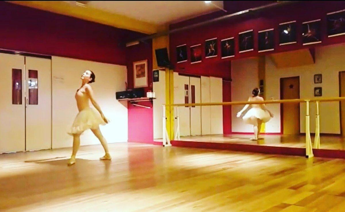 Dance to be alive  #Dance #bailar #Dancing #ballerina #hope #theatre<br>http://pic.twitter.com/Bxt6XsnbJI