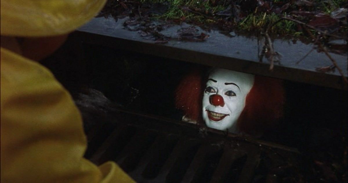 Trailer Image Shows Pennywise Plotting Georgie S Death