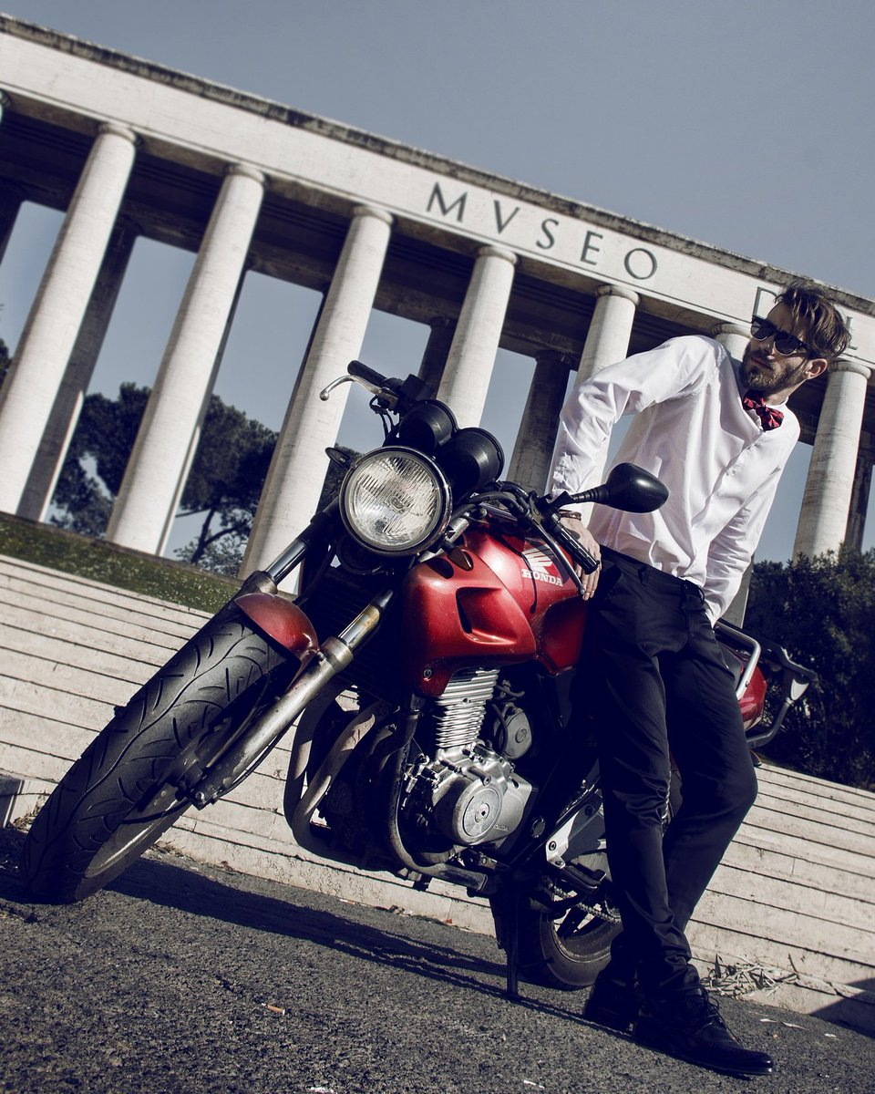On s&#39;inspire avec Sergio... #mode #honda #moto #bowtie #madeinfrance #roma #annecy #menswear #menstyle #italy #france #look #inspiration<br>http://pic.twitter.com/lESXii5WxP