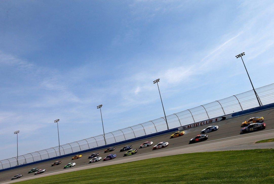 #NASCAR - Auto Club 400 - Les engagés  http:// dlvr.it/NhPvTz  &nbsp;   - via @usracingcom<br>http://pic.twitter.com/3wWAXdDa4D