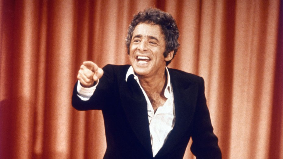 Chuck Barris, wacky host and creator of 'The Gong Show,' dies at 87 ht...