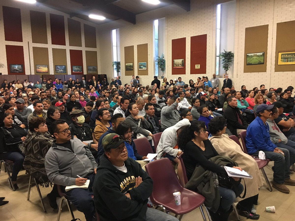 Congrats to @SMCSheriff for a successful Immigration Forum in RWC! Important information 4 the community. #clarity @PCRC_SMC @michellepcrc<br>http://pic.twitter.com/26DM5NenWk