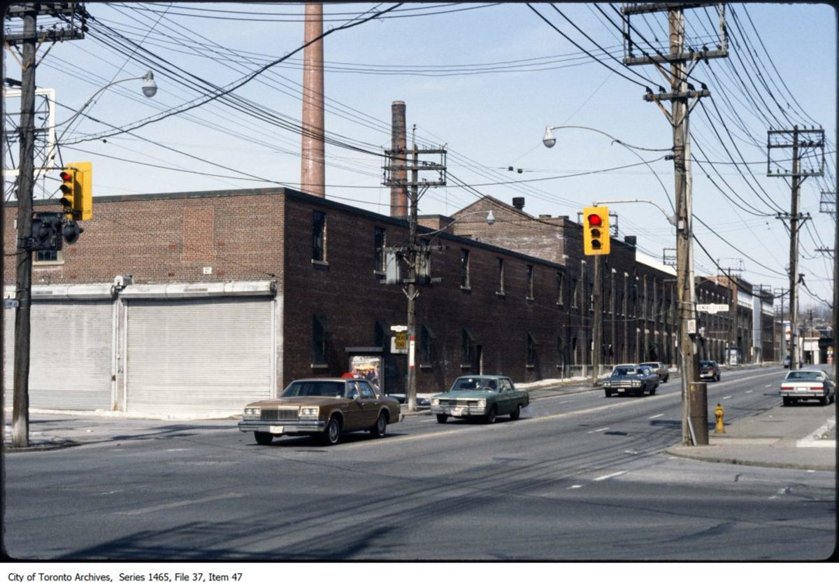 This is what #Leslieville looked like over the past century https://t....