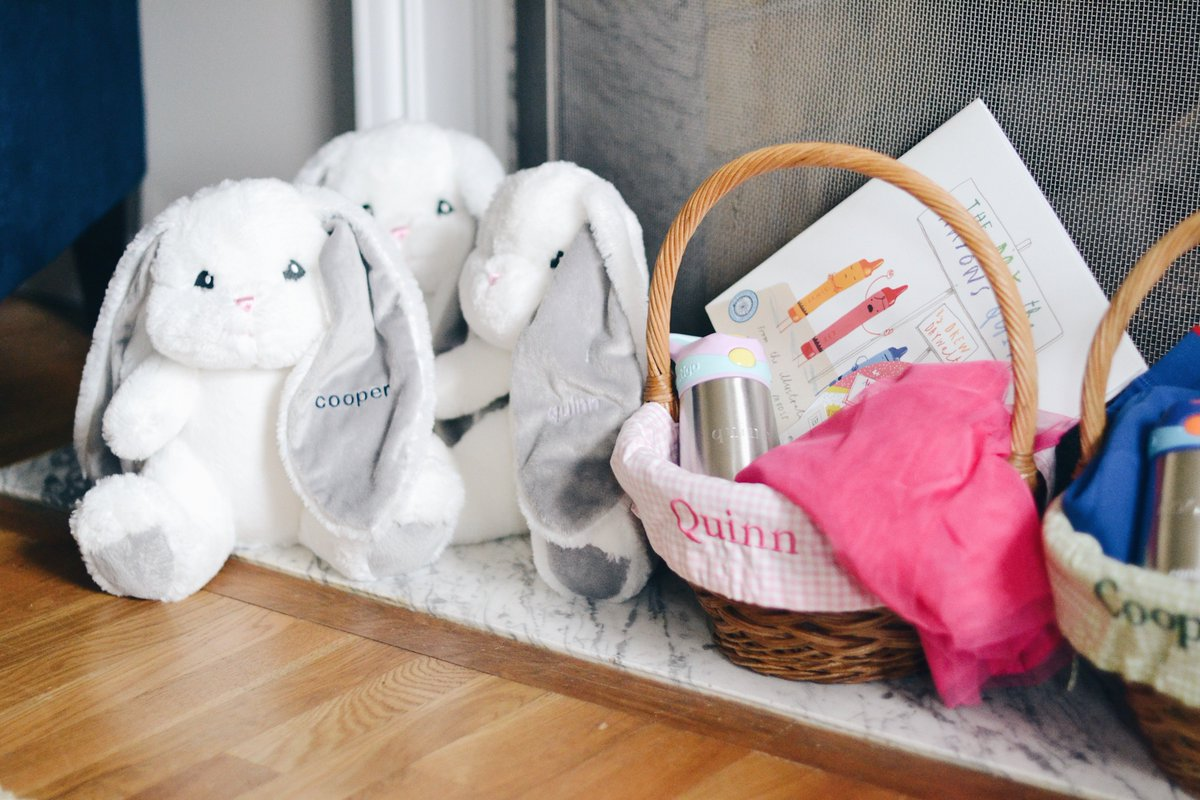 50 really cute Easter basket ideas, now #ontheblog! + win personalized Easter goodies from @TRemembered here:  http:// bit.ly/easterbasketid eas &nbsp; …  {spon}<br>http://pic.twitter.com/orA7ZkTbOp