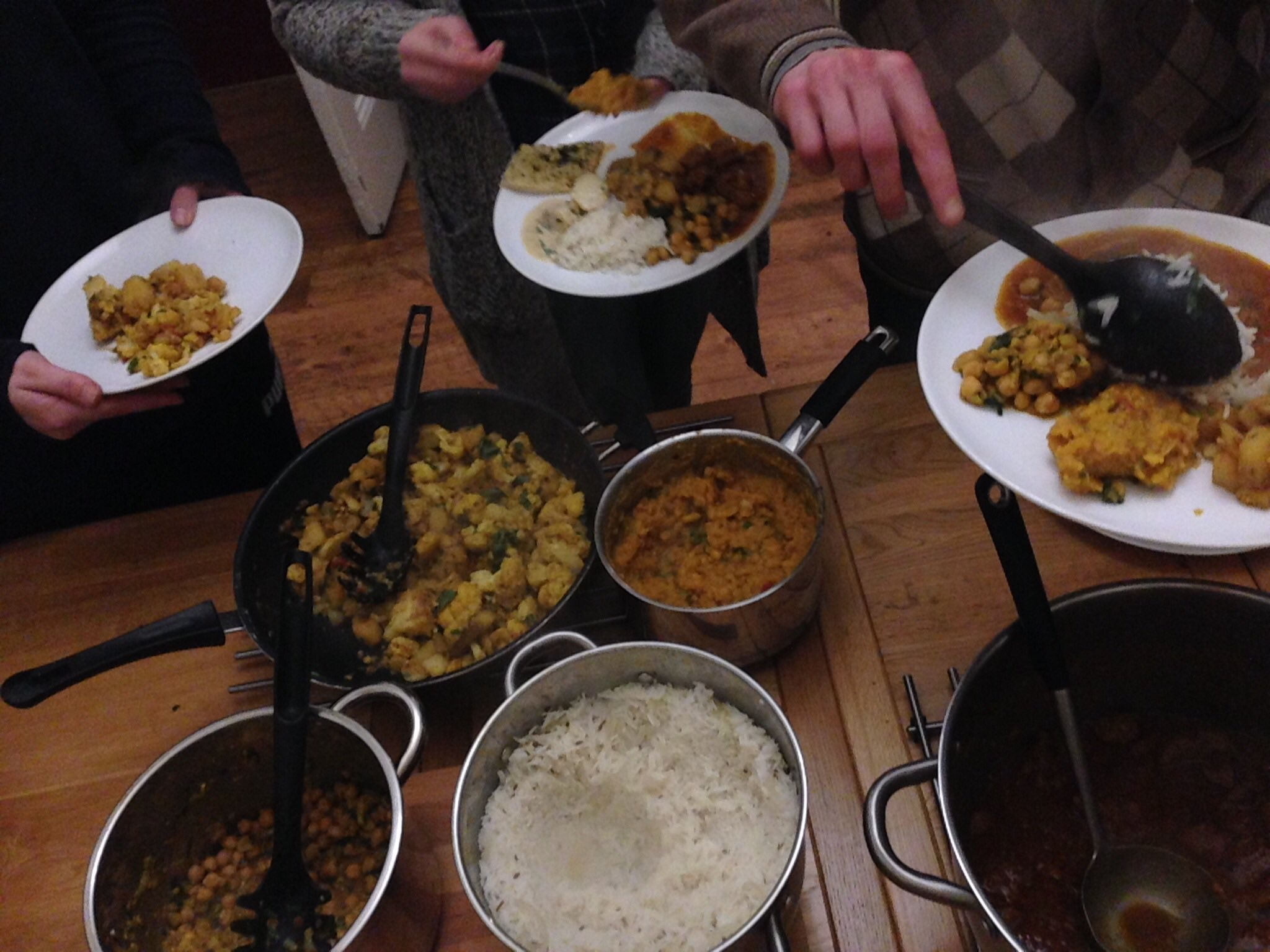 There is no end to her talents!@kully_ntw cooked up a feast for #ntwdreaming company last night @NTWtweets #rhyl https://t.co/6sJsjSMxbm