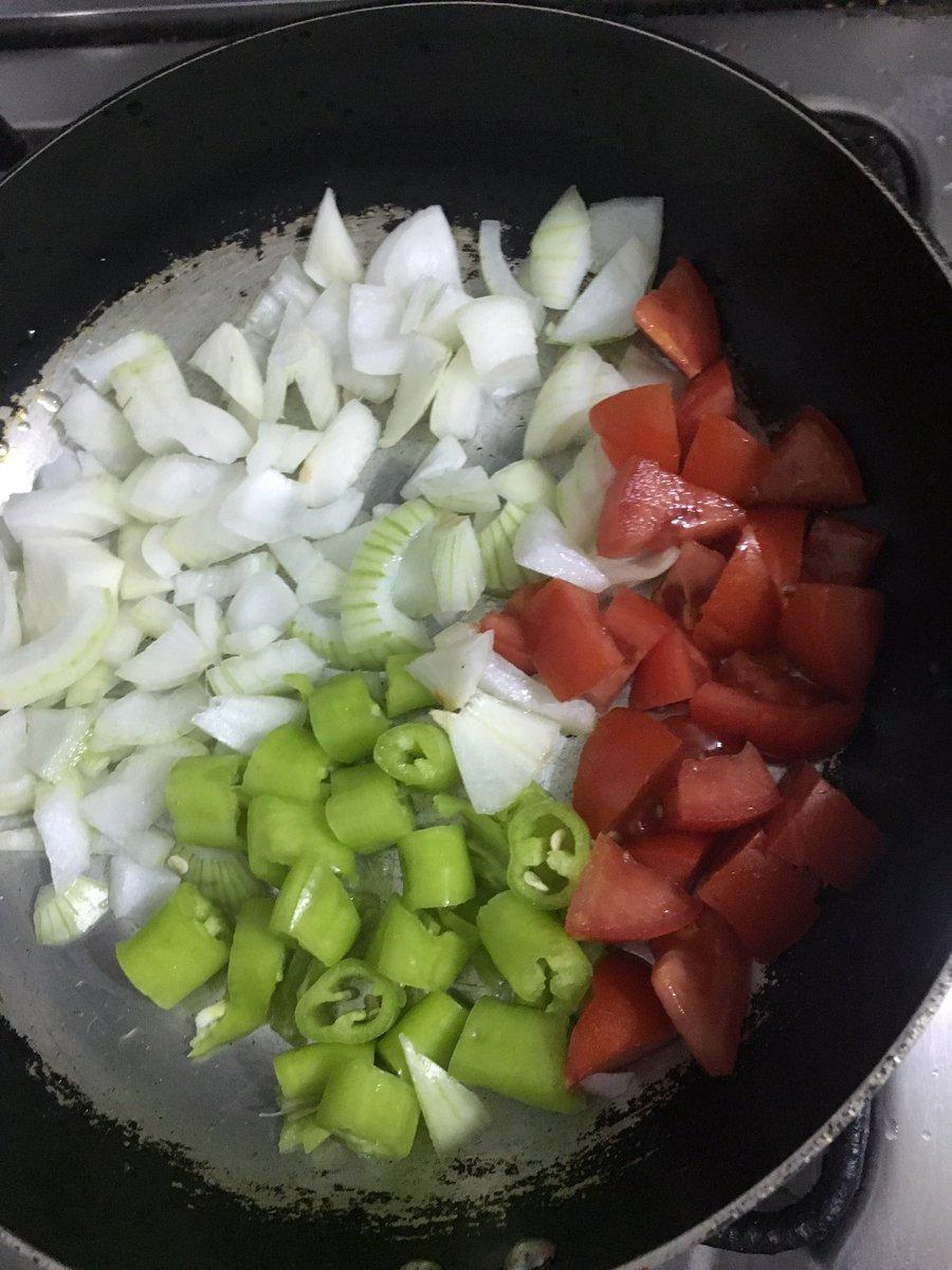 حلوة الالوان ... #بصل #طماطم #فلفل_أخضر #ريجيم #تحدي_٩٠_يوم