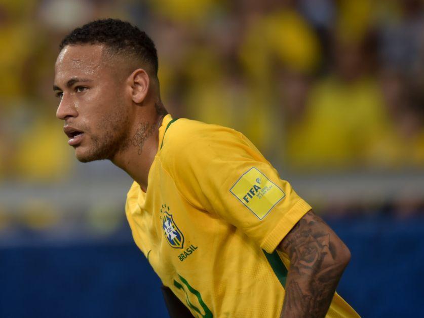 #LoMásRT. Neymar: 'Me gustaría jugar algún día en la Premier'. https:/...
