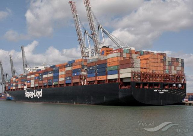 Hapag-Lloyd AG and UASC shift Long-Stop Date under Business Combination Agreement  https://www. vesselfinder.com/news/8826-Hapa g-Lloyd-AG-and-UASC-shift-Long-Stop-Date-under-Business-Combination-Agreement &nbsp; …  #HapagLloyd #UASC #Agreement <br>http://pic.twitter.com/sTlwz0iuMA