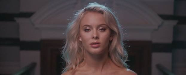 ザラ・ラーソンのデビュー・アルバム『SO GOOD』から、「Only You」のパフォーマンス映像が解禁🎤💋  https://t.co/i...
