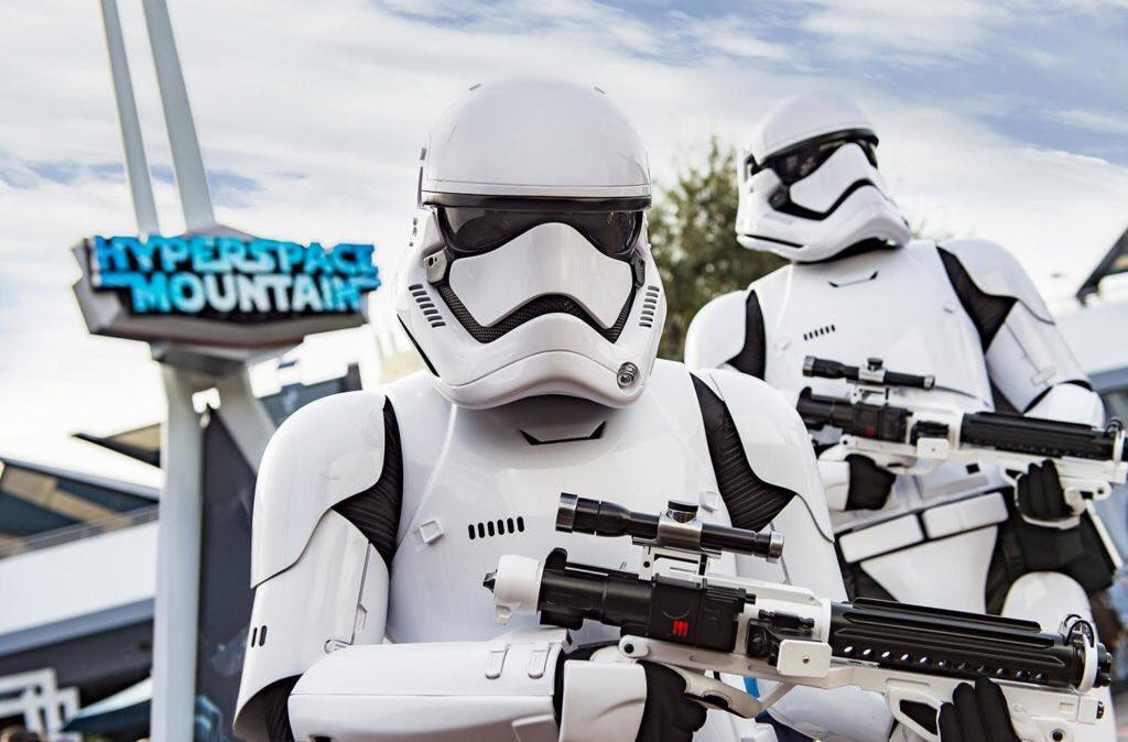 Information confirmée, Hyperspace Space Mountain ouvrira bien le 7 Mai à Disneyland Paris. #DisneylandParis #Hyperspacemountain<br>http://pic.twitter.com/odIi95L40g