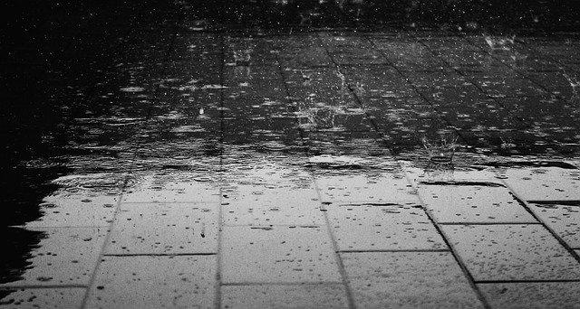 #Vent soutenu  &amp; #pluies intenses  des #Cévennes à la #CoteDazur et sur le #languedoc et la #provence ce #jeudi &gt;&gt;  https:// m.facebook.com/story.php?stor y_fbid=10155219849150955&amp;substory_index=0&amp;id=342677855954 &nbsp; … <br>http://pic.twitter.com/MmuzxeNL5W