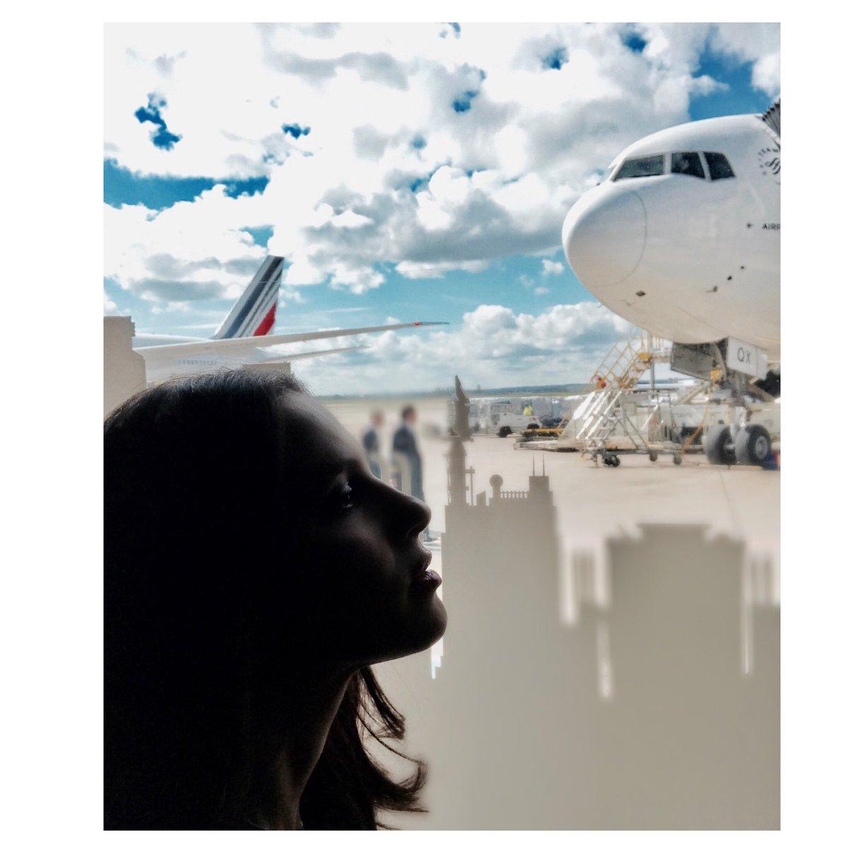 À nous deux New-York !!!... #Partir #BirthdayTrip #BigApple #NY #Plane #SeeYa <br>http://pic.twitter.com/5YJyn46rz8