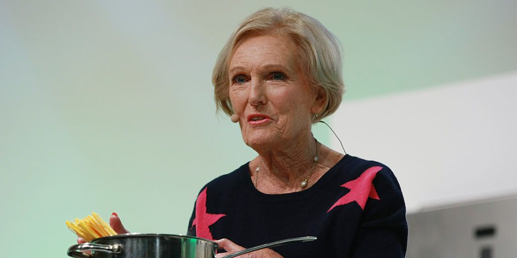 Mary Berry claims she has this one 'advantage' over Delia Smith https:...
