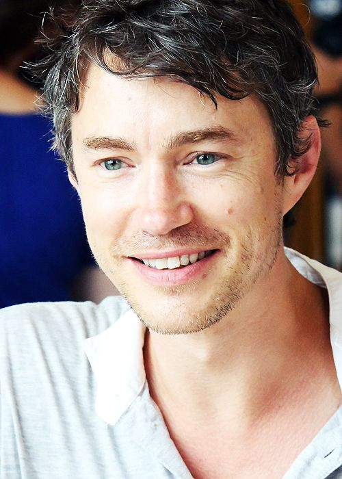 #Wednesdaywisdom #TomWisdom &#39;Sometimes our light goes out, but is blown again into instant flame by an encounter with another human being.&#39; <br>http://pic.twitter.com/tDmnLiRbaL