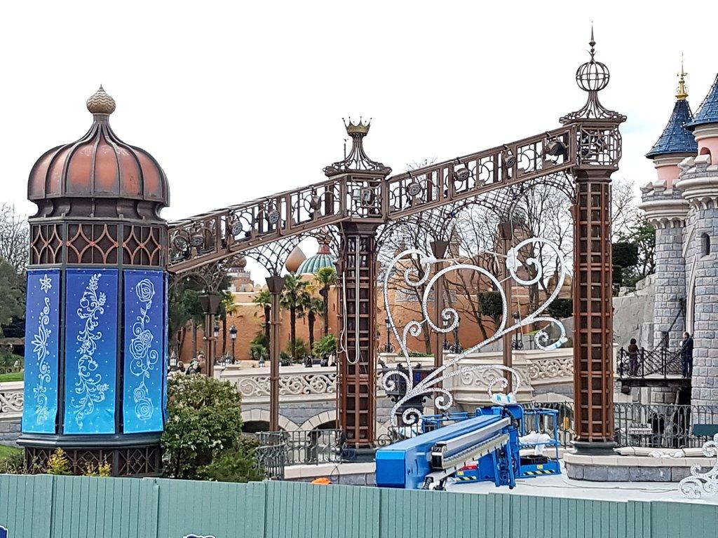 [Saison] 25ème Anniversaire de Disneyland Paris (jusqu'au 09 septembre 2018) - Page 3 C7hRw4tXgAA2Zik
