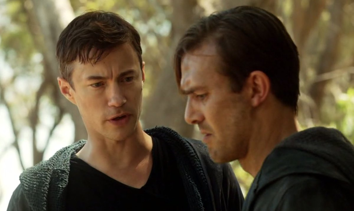 #WednesdayWisdom #TomWisdom It is wise to direct your anger towards problems -- not people; to focus your energies on answers -- not excuses <br>http://pic.twitter.com/teaAIs349N