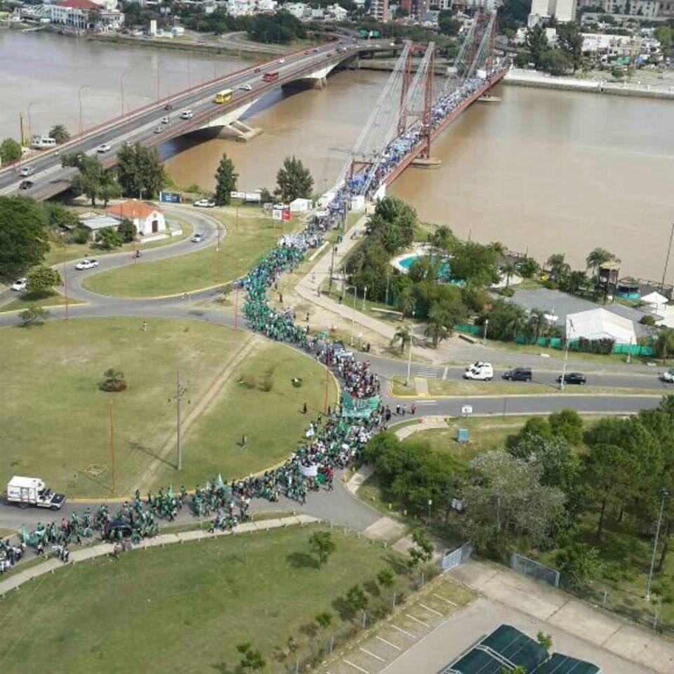 Es ley de la Nación. Paritaria Nacional Docente Ya! #MarchaFederalEduc...