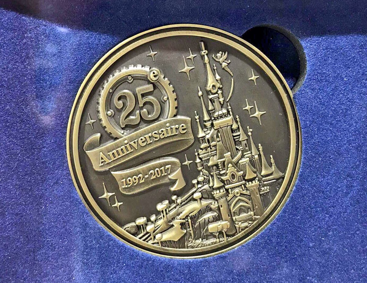 Disneyland Paris 25th Anniversary 1992-2017 commemorative coin (€19.99)