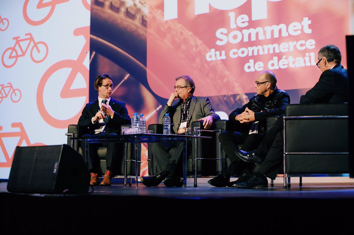 #hop17 Panel économique - L&#39;état du #commerce de #détail dans l&#39;économie du Québec @MvtDesjardins @vezinar #la_lesaffaires @laVieenRose<br>http://pic.twitter.com/UCA5WcFBJf
