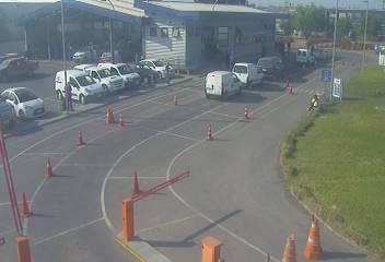 Poco tiempo de espera en planta de revisión técnica #Pudahuel sector #Enea @Seremitt_RM @salazarmatias @mtt_chile<br>http://pic.twitter.com/Aavpms58qh