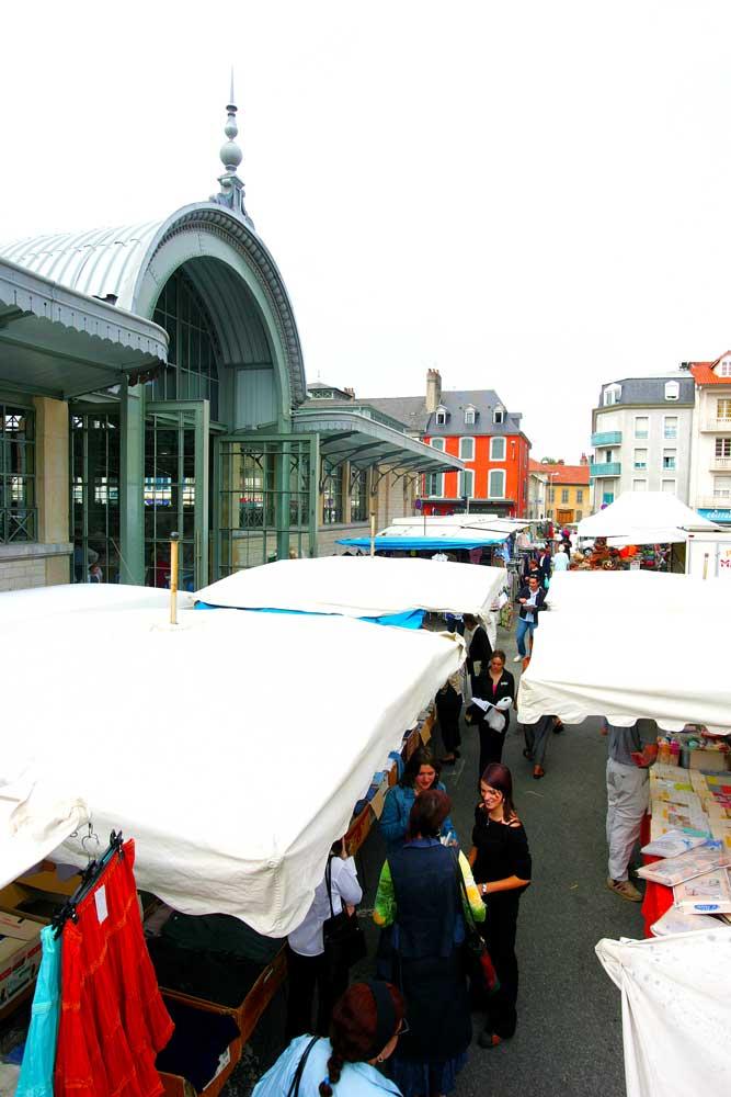 Le #jeudi c&#39;est jour de marché à #Tarbes avec des produits frais &amp; locaux. RDV à Marcadieu ! #CircuitCourt<br>http://pic.twitter.com/ITEfIsjXz0