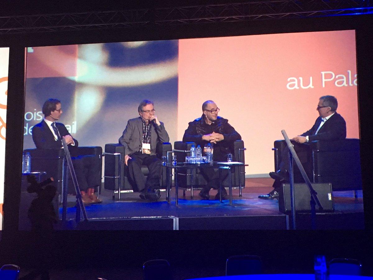 Panel socio économique - L&#39;état du commerce de détail dans l&#39;#économie du Québec. Bravo à Francois Roberge, pdg @laVieenRose #hop17 #Retail<br>http://pic.twitter.com/vDu4d8cs3z
