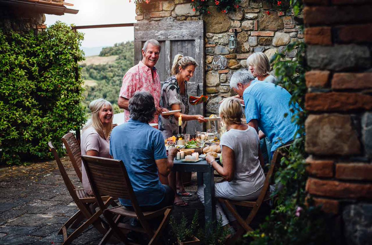 Learn about the best Countries for #Americans looking to #Retire elsewhere.    http:// bit.ly/2mL3Ihq  &nbsp;   #travel #savings #realestate<br>http://pic.twitter.com/syxlRKcCuL