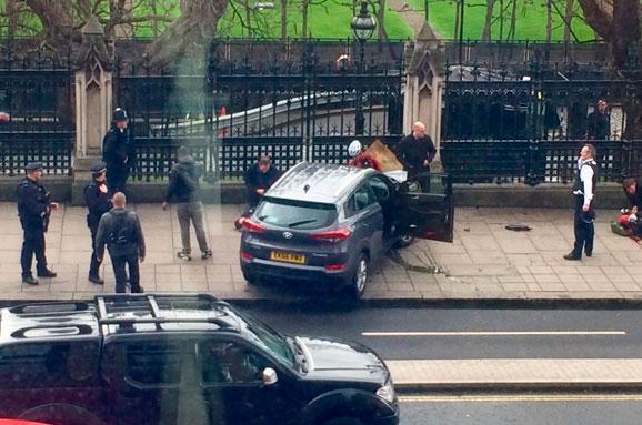 Уздания парламента Англии произошла стрельба